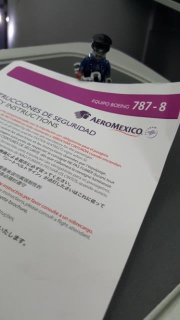 El Dreamliner---Información en varios idiomas