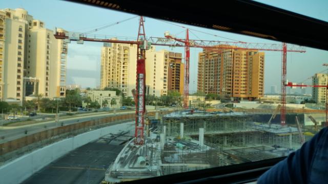 construcción al lado de Atlantis