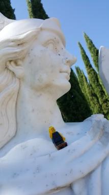 Estatua en la entrada del Jardín