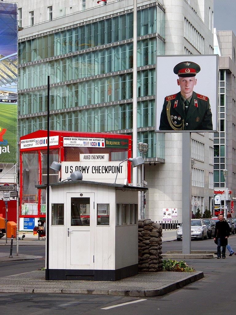 Berlin-Checkpoint_Charlie-Richtung_Osten